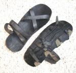 Como hacer con tus propias manos unas sandalias con un neumatico viejo